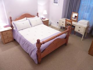 Canterbury City - 2 Bedroom Self Catering Apartment 2 - Canterbury vacation rentals