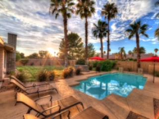 Private backyard with heated pool - Scottsdale 3/4/5 Bedroom Private Luxury Homes - Scottsdale - rentals