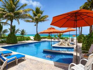 Villa Picon - Spacious beachfront villa, large private pool, Jacuzzi & nearby beach activities - Riviera Maya vacation rentals