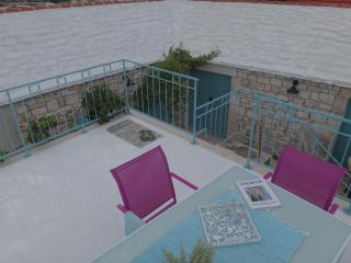 Stone cottage with a pool on the Island of Brac - Selca vacation rentals