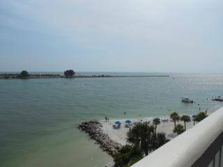 Newly remodeled WATERFRONT 2/2 - Clearwater Beach vacation rentals