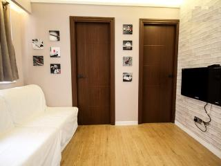 2BR Budget & Cozy, Time Square CWB - Hong Kong Region vacation rentals