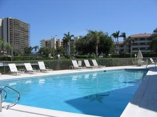 Spacious condo is walking distance to the Beach! - Marco Island vacation rentals