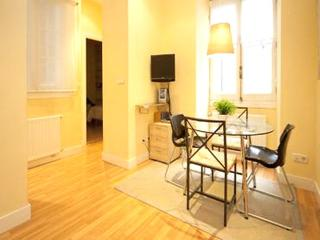 Chueca Valverde 1 - World vacation rentals