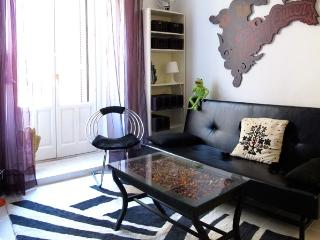 Madrid Plaza Lavapies Apartment - World vacation rentals