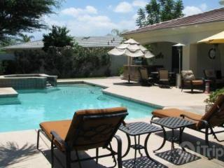 Diamond of the Desert!  Stunning 4 Bdroom / 3.5 Bath, Pool, Spa with Casita. Lighted tennis Courts - Palm Desert vacation rentals