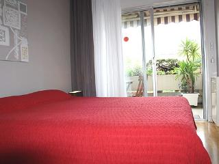1BR with Balcony 4 guests Cambronne - apt #545 - Paris vacation rentals