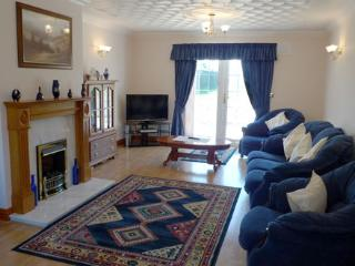 Five Star Holiday Home - Highfield House, Beulah, Nr Aberporth - Ceredigion vacation rentals