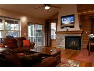 Rendezvous Wildflower Lane: After a day on the slopes, put your feet up & relax in this wonderful Rendezvous townhome - Image 1 - Fraser - rentals