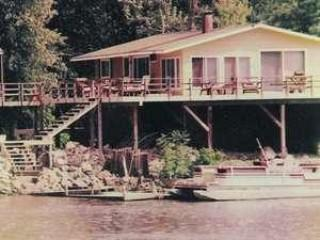 Mississippi River Retreat - De Soto vacation rentals