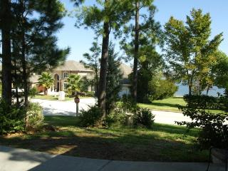 3 bedroom, waterfront home in Walden on Lake Conroe - Montgomery vacation rentals