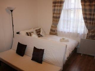 INV11 - Quad Studio Bayswater - London vacation rentals