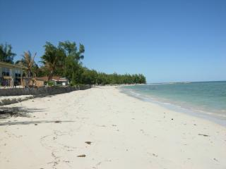 Cozy Sea Breeze Cottage Andros Bahamas - Andros vacation rentals