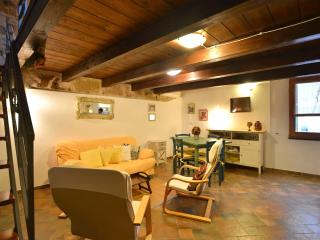 Stylish Loft Apts OldTown by beach AlgheroSardinia - Alghero vacation rentals