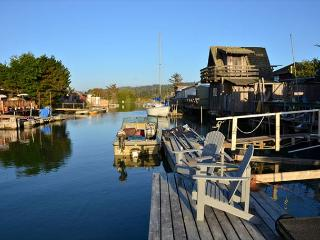 Shell Cottage on Humboldt Bay in King Salmon - Dock in Backyard! Clean & New - Trinidad vacation rentals