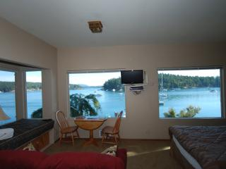 Friday Harbor Lights Sweet Escape Studio - Friday Harbor vacation rentals