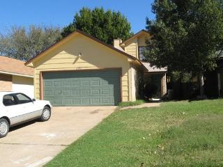 Quaint 3 Bedroom Home Round Rock - Round Rock vacation rentals