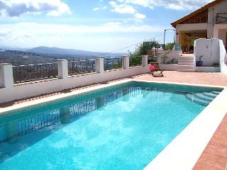 La Huerta Ganga, spacious villa, immense views - Cutar vacation rentals