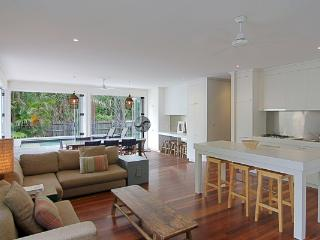 77 Butler Street - Lantana Beach House - New South Wales vacation rentals