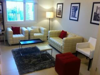 Columns Legaspi Makati Unit 33 - 2 Bedroom - Makati vacation rentals