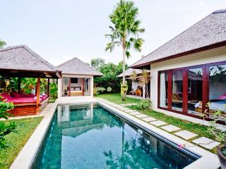 Seminyak Luxury Villa (2) - Kuta vacation rentals