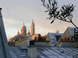 Ornano apartment - Paris vacation rentals