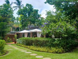 Barbados Villa 94 One Of Only Three Villas Situated Directly On The Exclusive Sandy Lane Beach. - Terres Basses vacation rentals