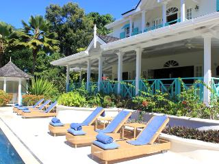 Barbados Villa 98 The Villa Faces West And Overlooks The 8th Hole Of The Famous Golf Course. - Terres Basses vacation rentals