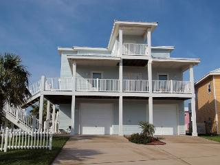 4 bedroom 3 bath home just steps to the beach! - Port Aransas vacation rentals