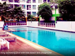 1BR, 5MIN TO SKYTRAIN - POOL, WIFI - Bangkok vacation rentals