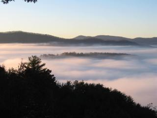 Above The Clouds Retreat w/Views/Free HBO & WiFi! - Murphy vacation rentals