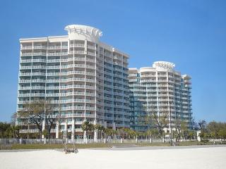 Beautiful 2-BR/2-BA Condo at Legacy Towers. King/Queen, Wifi - Long Beach vacation rentals