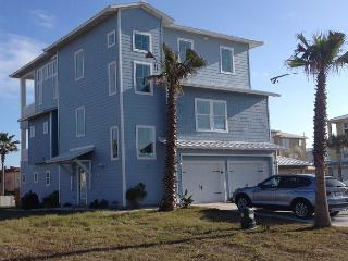Luxurious 2013 Gulf Coast home! 6 bedrooms/ 6 baths adjacent to the pool! - Port Aransas vacation rentals