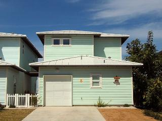Brand new 4 bedroom 2.5 bath home at the FABULOUS Station Street Cottages! - Port Aransas vacation rentals