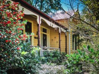 'Burnie Brae' circa 1908 - Traditional Mountain Home - Katoomba vacation rentals