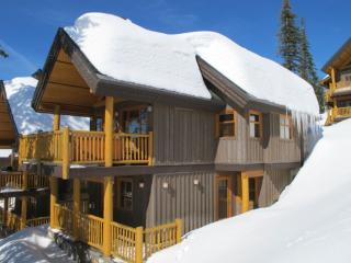 Woodcutter Cabin #11 WDCUTR11 - Big White vacation rentals