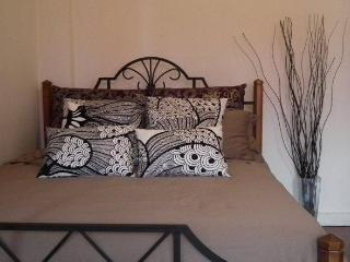 Convenient, Spacious Home for you and family - Hong Kong vacation rentals