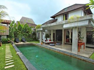 4 Bedrooms Private Villa In Oberoi Seminyak, Perfect Location - Seminyak vacation rentals