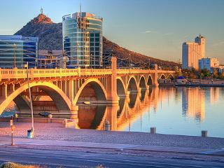 Tempe - Scottsdale Luxury Condo - (Tempe Town Lake) - Tempe vacation rentals