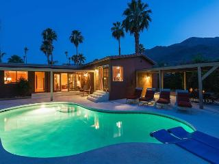 Puesta Del Sol ~ Special ~ 15% off 5 night stay thru 10/1 - Palm Springs vacation rentals