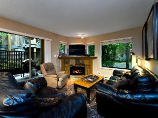 Valhalla 4 bdrm, sleeps 8, Quiet setting just steps from the action! - Whistler vacation rentals