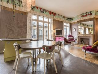 Fantasia- Creative and Custom designed home - 4th Arrondissement Hôtel-de-Ville vacation rentals