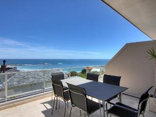 Camps Bay - Summer Place - walk to beachfront - Camps Bay vacation rentals