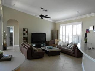 5/3/2cg/pool/lake In Sunset Lakes - Miramar vacation rentals