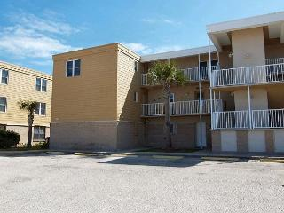 Beachfront condo, 2 pools, pet friendly and in town with gulf views! - Port Aransas vacation rentals
