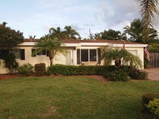1916 Coral Gardens Drive - Gay guest house - Wilton Manors vacation rentals