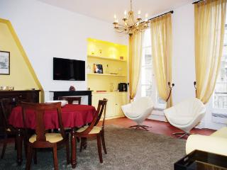 BRIGHT&CONTEMPORARY-FACING THE LOUVRE-2BR/2BTH APT(SLEEPS 4 IN 3 BEDS) - Paris vacation rentals