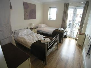 Windsor 2 Bedroom Holiday Let Apartment (WIN) - Windsor vacation rentals