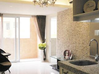 Amazing Apt (HH) in heart of HK - Hong Kong Region vacation rentals