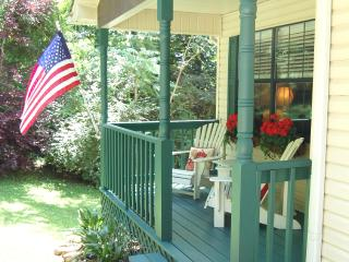 Ridgecrest Cottage - no cleaning fees! - Chattanooga vacation rentals